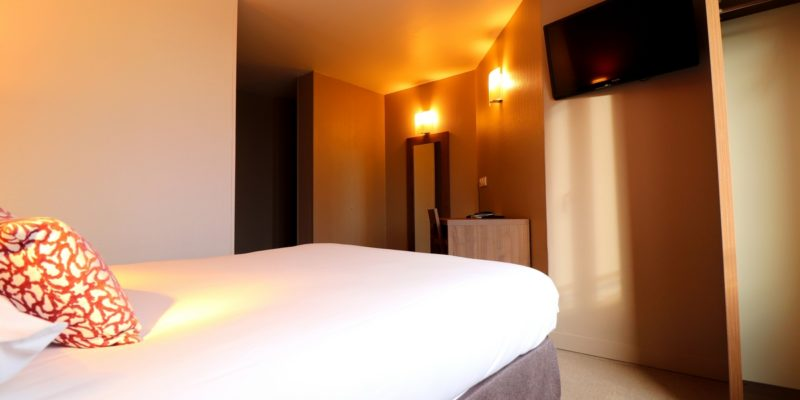 Hôtel bureau *** 35 chambres   Bretagne